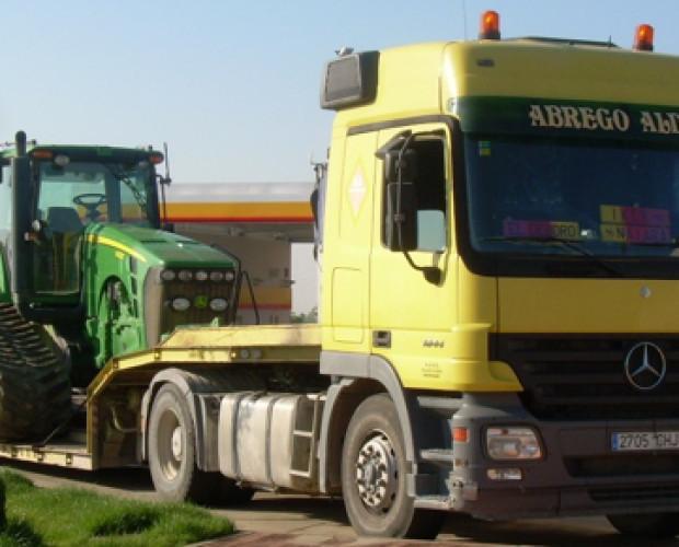 transporte de maquinaria. Realizamos el transporte de excavadoras