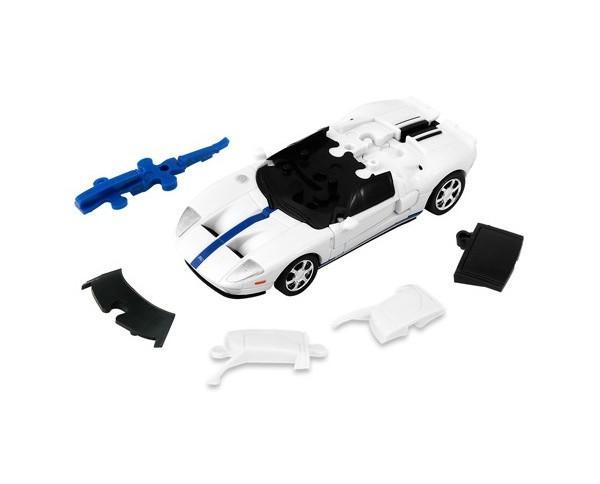 Ford GT color blanco. Vehículo de juguete desmontable