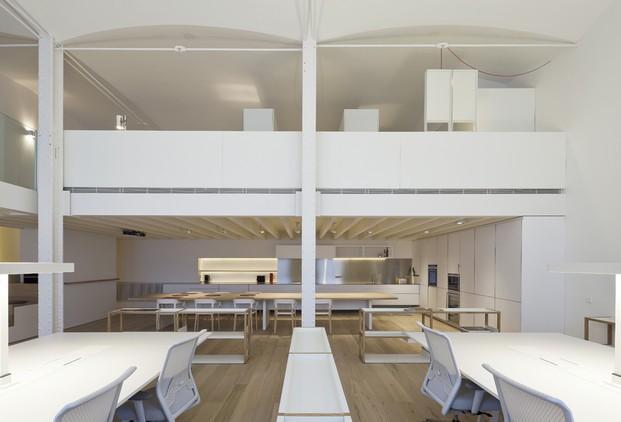 Proyectos de vivienda. Reforma interior de un espacio industrial.
