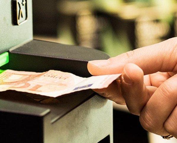 Cajones. Evitará billetes falsos, pérdida de dinero, hurto.