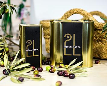 Aceite de oliva premium. Formato latas, elegante para regalar, fácil de usar y seguro para viajar