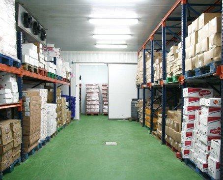 Nuestro almacén. Stock permanente para nuestros clientes