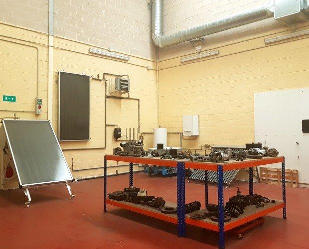 Instalaciones. nuestras naves industriales para prácticas