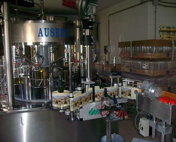 AOVE. Producto 100% natural se obtiene de la molturación de oliva