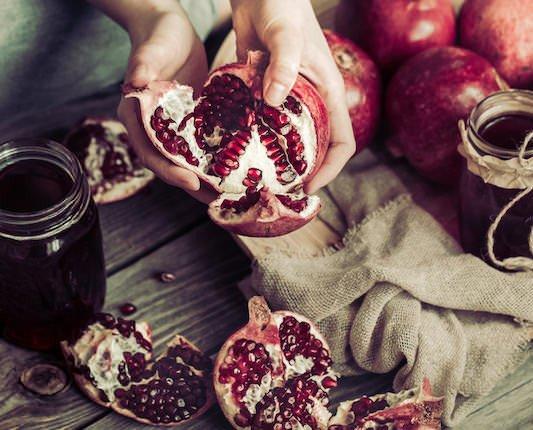 Granada BIO. Su color rojo rubí, su sabor denso y dulce sin excesos