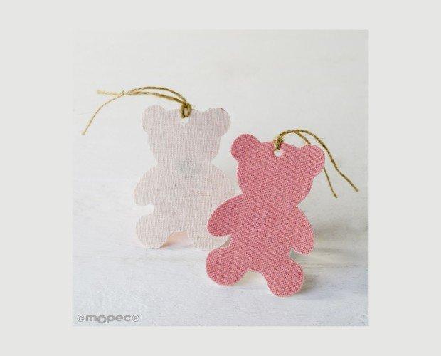Colgante Textil Decorativo. Con forma de osito en color rosa por uno de los lados y marfil por el otro