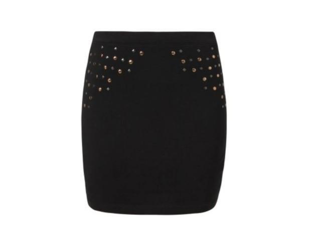 Falda negra. Falda con detalles a los lados