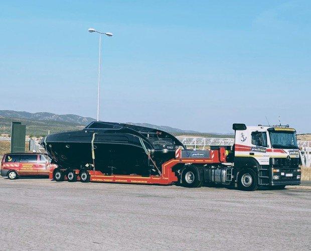 Transporte especial de yate. Ofrecemos servicios de calidad a precios asequibles