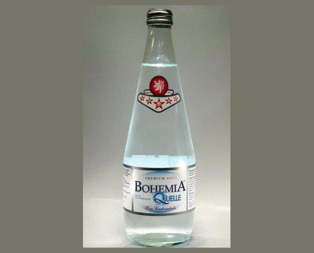 Agua premium. Agua natural milenaria sin ningún tratamiento especial