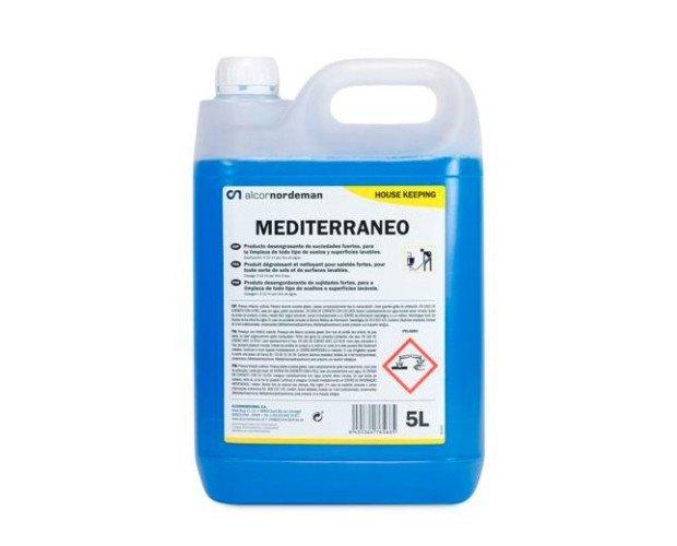 Limpiador desengrasante. Producto desengrasante de suciedades fuertes, agradablemente perfumado y especialmente formulado para la limpieza de todo tipo de...