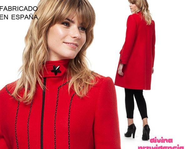 Abrigo jade rojo. Rojo intenso