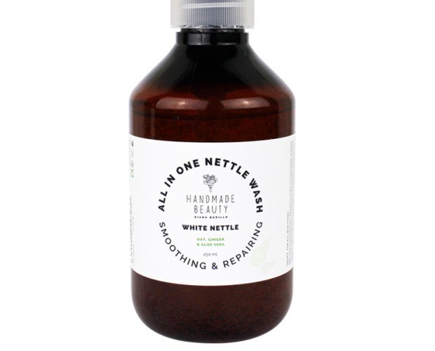 Body Wash de Ortiga. Body Wash con extractos de plantas y aceites esenciales. Tamaño 250 ml y 500 ml INGREDIENTES: - Ortiga - Salvia - Jengibre - Aloe Vera