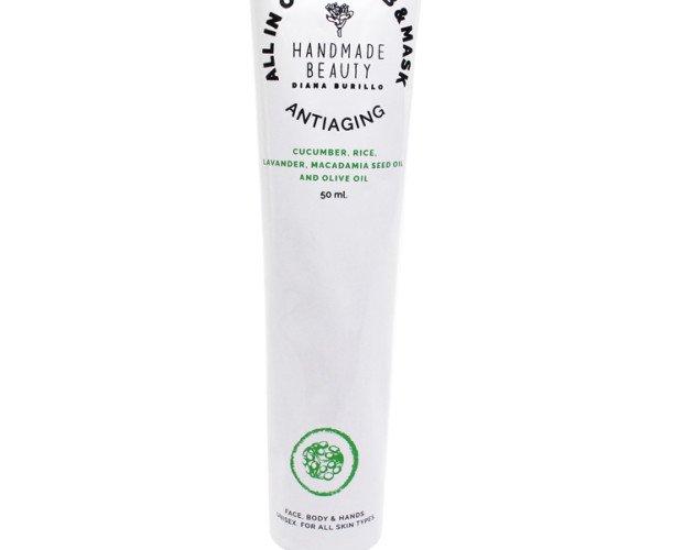 Scrub&Mask. Dos productos en uno . Mascarilla y Scrub para iluminar y regenerar la piel. También apto para pieles sensibles. Tamaño : 50 ml y 200 mll