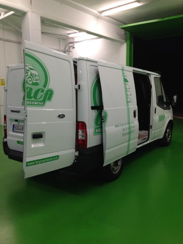 Alquiler de Camiones Ligeros.Grupo 2, 7m3 de volumen de caja de carga