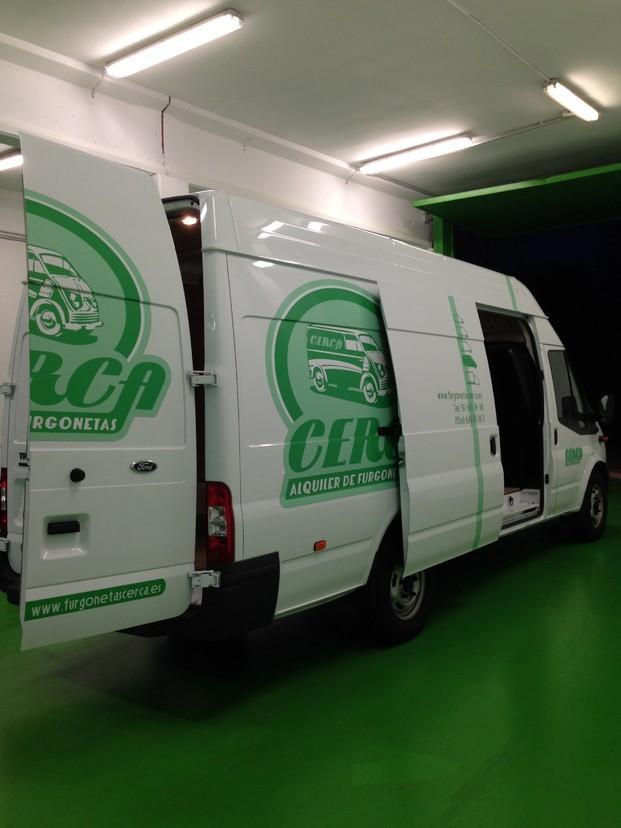 Alquiler de Camionetas.Grupo 4, 14m3 de volumen en caja de carga