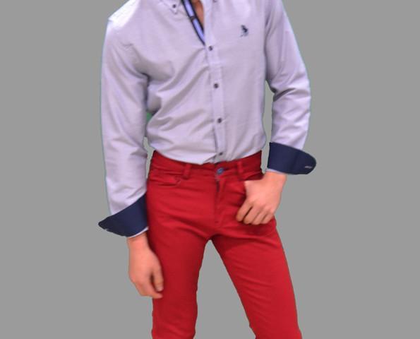 Pantalón chino con bolsillos. Diseños originales