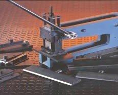 Prensa de 5000 Lbs. Se suministran con los tornillos de fijación y todo lo necesario para su acoplamiento.