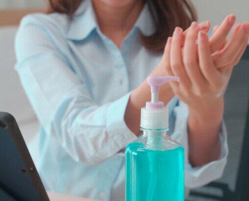 Geles hidroalcohólicos. Antisépticos para manos, con alta concentración de alcohol que garantiza su función