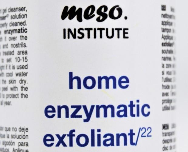 Home enzymatic. Exfoliante enzimático. Cuidado profesional en casa