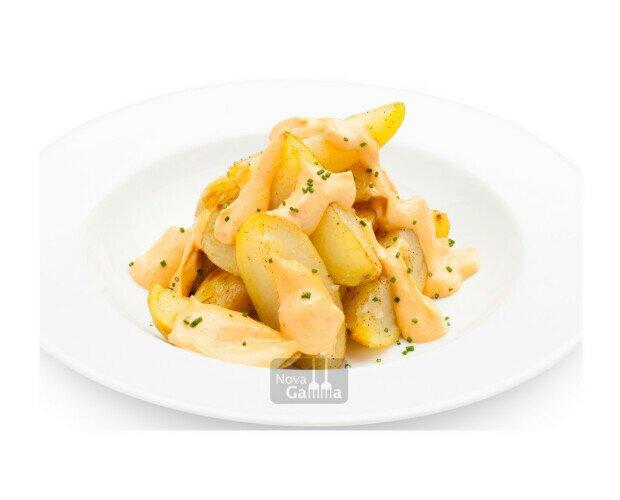 Patatas estilo Bravas. Un plato que nunca puede faltar si estás preparando un menú de picoteo