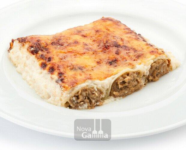 canelones de rustido. canelones con ternera, cerdo, pollo, rustimos con cebolla y queso