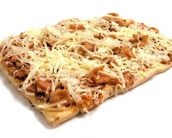 Pizza cuadrada de bacon. Variedad de pizzas