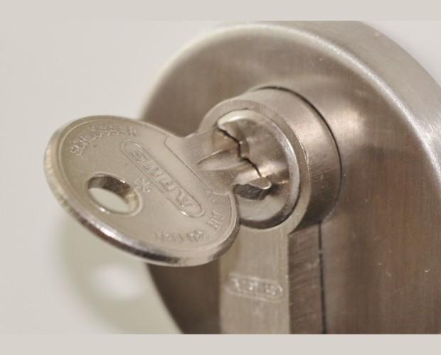 Cerrajeros. Cerraduras de seguridad