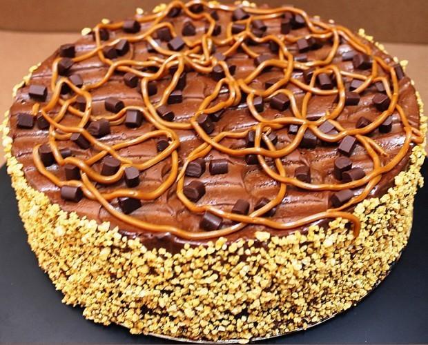 Tarta de chocolate. Bizcocho de chocolate con rellenos. Peso 2,5 kg