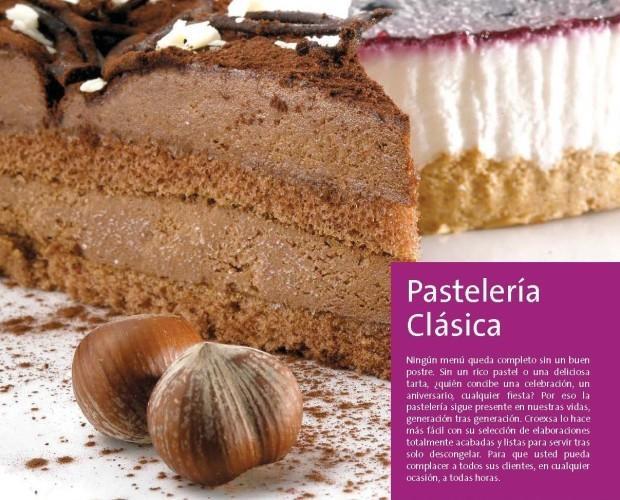 Pastelería clásica. Deliciosas tartas y pasteles