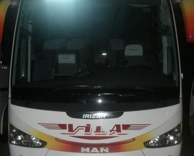 Transporte de pasajeros. Autobús de transporte de pasajeros