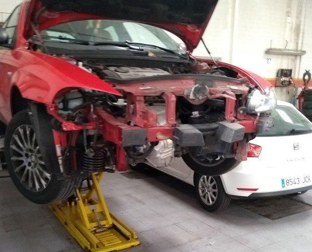 Reparación de coches. El mejor equipo de trabajo
