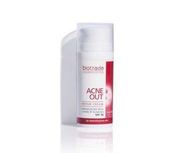 Crema Reparadora SPF30+. Para la piel con manchas después del acné y también contiene filtros UVA / UVB