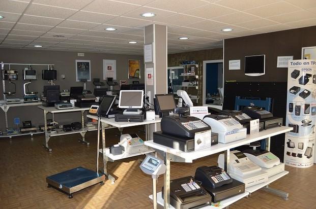 Nuestros productos. Amplia gama de Cajas Registradoras y Basculas.