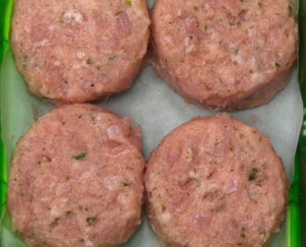 Mini hamburguesas. De ajo y perejil