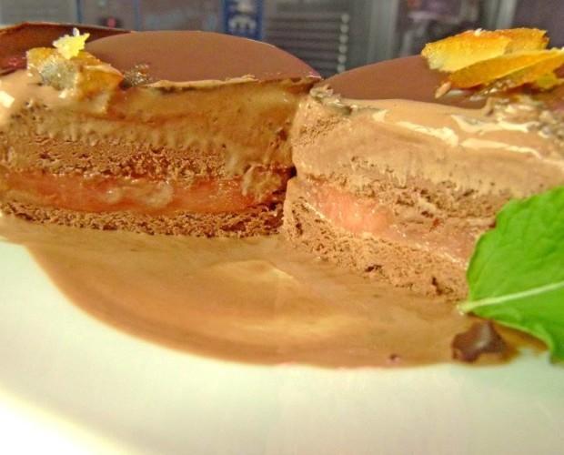 Postre Gourmet. Chocolate & Sanguinelli