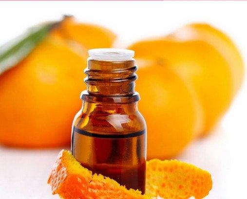 Orange. Predominan las notas cítricas
