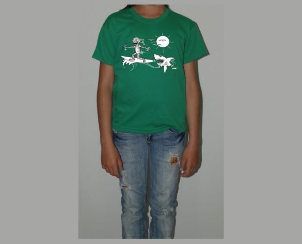 Camiseta para niño verde. Momy Tiburón