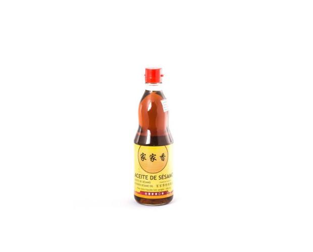 Aceite de sésamo. Semillas de sésamo y aceite vegetal