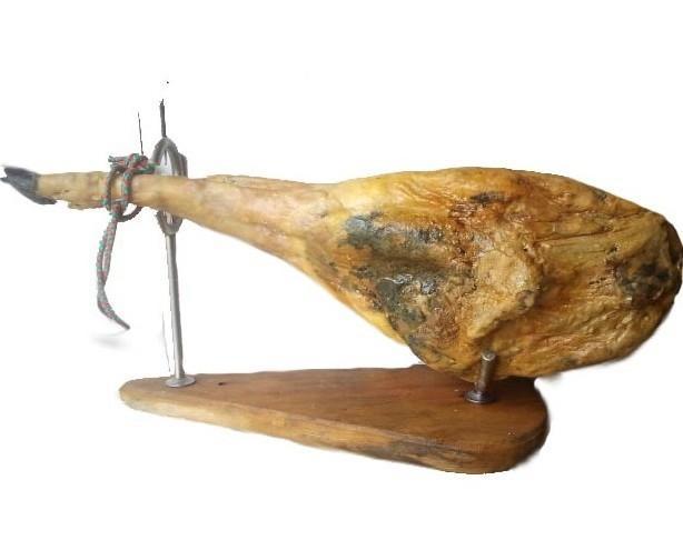 Jamón de bellota. Jamón de pata negra procedente de cerdos ibéricos D.O Guijuelo