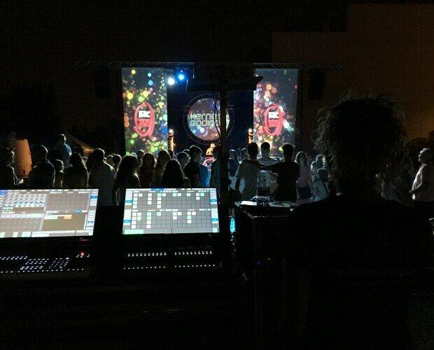 QuatreQuaranta Servicios Audiovisua. Somos una empresa seria y responsable