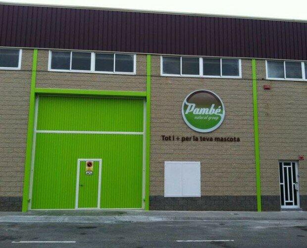 Instalaciones Pambé Natural Group. Centro logístico, Tienda y oficinas de la empresa Pambé Natural Group