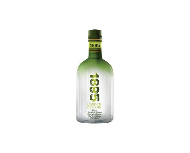 Gin 1895. Tiene una persistencia larga y agradable en el postgusto