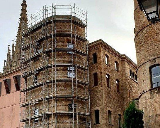 Barcelona. Montaje rehabilitación fachada, Barcelona.
