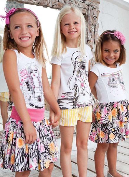 Faldas para niñas. Faldas floreadas para niñas