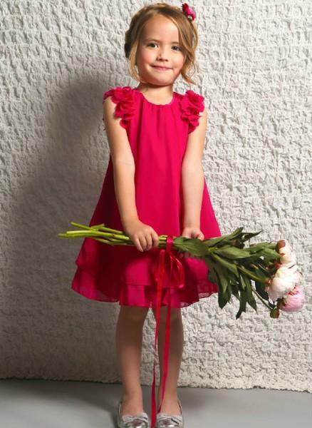 Vestido rosa. Vestidos de verano para niñas