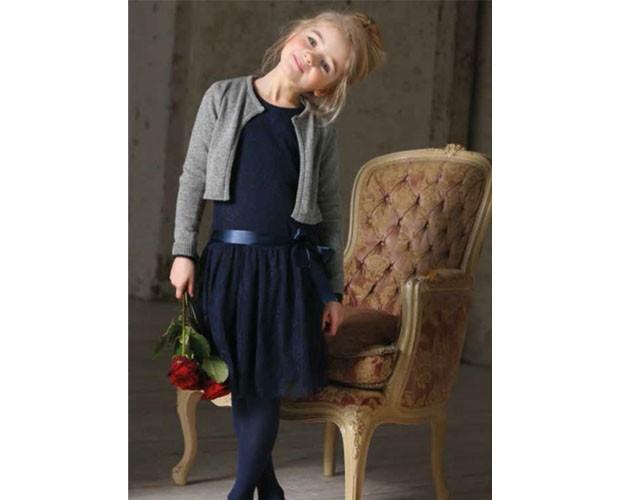 Proveedores de vestidos infantiles. Variedad de talles y colores