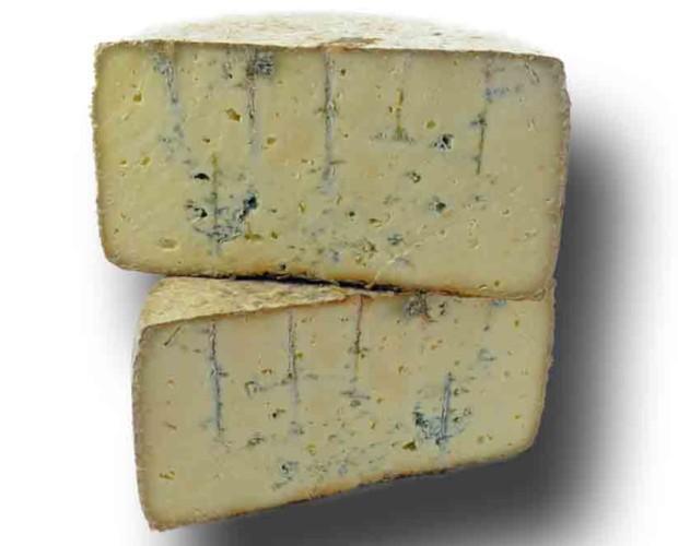 Azul de Pria. Queso azul de Pría de las tres leches