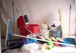 Artículos de limpieza. Mopas, cubetas, fregones y mucho más