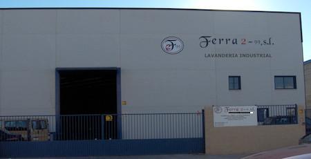 Lavandería Industrial.Instalaciones de más de 1.000 metros cuadrados. Ubicadas en el kilómetro 36 de la carretera de Extremadura, en Casarrubios del Monte