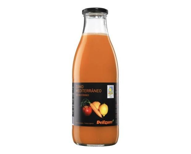 Zumo mediterráneo. Naranja, zanahoria, manzana y limón ecológicos.